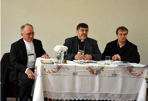 Dom Rafael, Dom João Bosco e Padre Mário Spaki conduziram o encontro